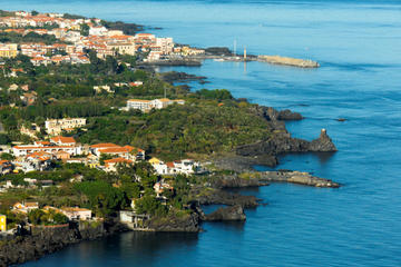Escursione costiera a Messina: viaggio di un giorno ad Acireale