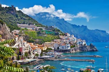 Positano & Amalfi Boat Exprerience Daily Tour with Limoncello Tasting From San Giorgio