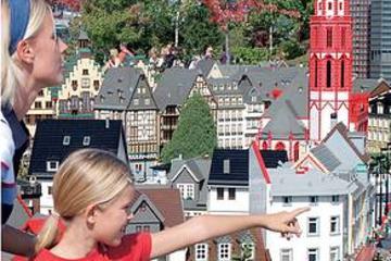 Excursión independiente de un día a LEGOLAND Alemania con salida...