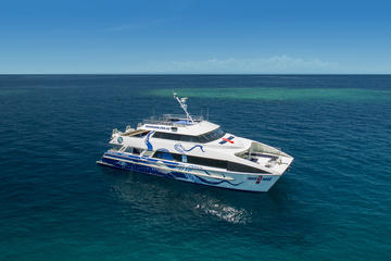 AquaQuest Premium Great Barrier Reef Diving and Snorkeling Cruise...