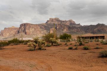 Apache Trail/Bootstour mit dem Dampfschiff auf dem Grand Canyon Lake