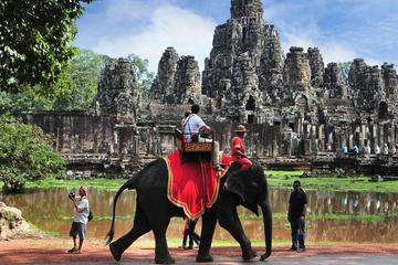 Excursion Angkor Wat Small Group Full...