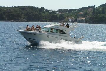 Recorrido privado: crucero por varias islas en yate desde Dubrovnik.