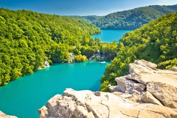 Zagreb Super Saver: Zagreb Walking Tour and Plitvice Lakes National Park Day Trip