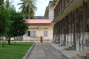 Historical Phnom Penh Small-Group ...