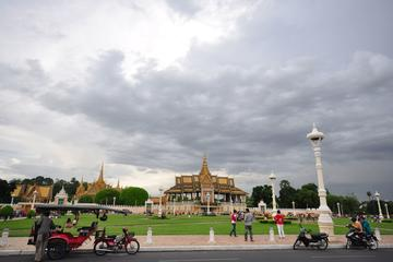 Phnom Penh Full-Day Small-Group City...
