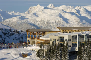 Day Trip Coach Transfer from Vancouver International Airport to Whistler near Vancouver, Canada