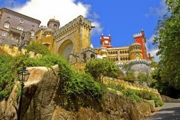 Excursión de un día en un grupo pequeño a Sintra y Cascais desde...