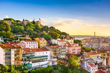 Privé-walexcursie Lissabon: Tour door de stad per minibus inclusief ...