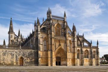 Tagesausflug von Lissabon nach Fátima, Nazaré und Óbidos in kleiner...