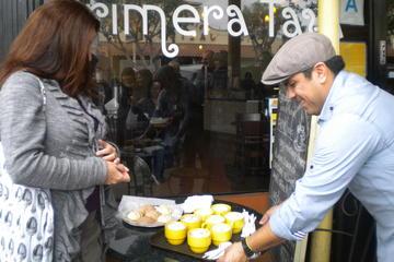 Excursão pela gastronomia e cultura latinas a pé para grupos pequenos