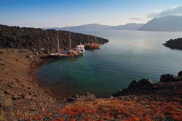 Santorini Shore Excursion: Private Tour of Thira Volcano and Hot...