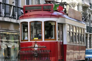 Lissabon Hop-On Hop-Off Tour mit der Straßenbahn