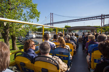 Tagus and Olisipo Hop-On Hop-Off Tour in Lisbon