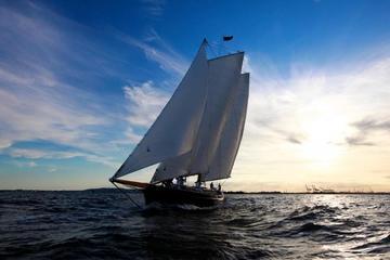 Cruzeiro de navio ao pôr do sol em Key West