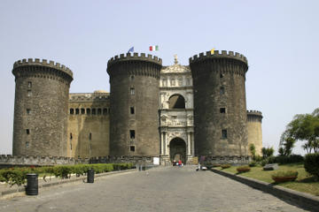 Paseo histórico a pie por Nápoles