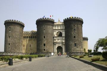 Passeggiata storica per Napoli guidata da un esperto di storia