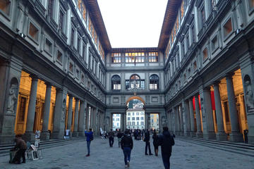 Tiny Group Uffizi Tour with Skip-the-Line Tickets