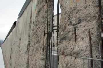 Visite à pied en petit groupe du troisième Reich de Berlin incluant...