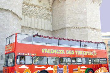 Excursión en autobús con paradas libres por Valencia con entrada...