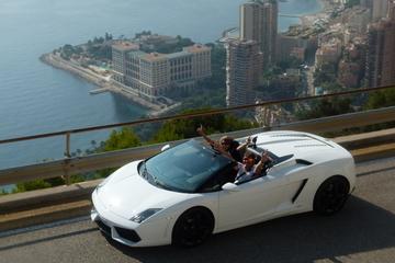 Essai de conduite d'une Lamborghini au départ de Monaco