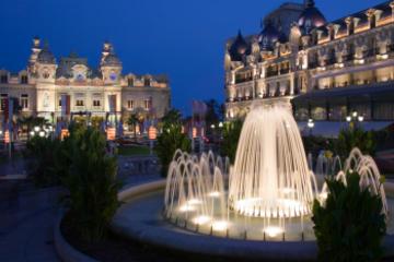 Monaco: Tour bei Nacht in einer kleinen Gruppe