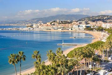Tour de medio día para grupos pequeños a Cannes, Antibes y St Paul de...