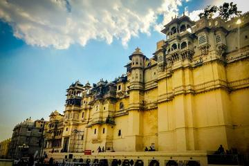 Experience Udaipur in One Full Day Guided City Sightseeing Tour