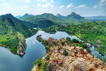 Experience Village Visit and Trekking in Udaipur With an Tour Guide & Transfers
