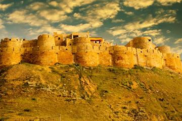 One-Way Private Transfer from Udaipur To Jaisalmer City with Pickup