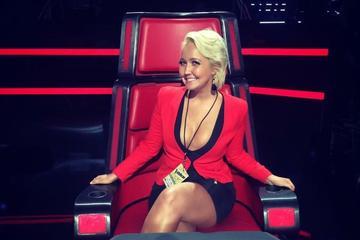 Nashville Studio Tour Featuring NBCs The Voice Star Meghan Linsey