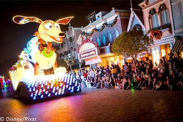 Hong Kong Disneyland 1 Day Tour with Japanese Assistance  - Mybus