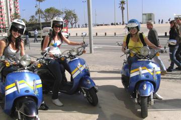 Excursão independente e aluguel de scooter em Barcelona