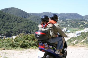 Excursión por la costa de Palma de Mallorca: Excursión en moto...