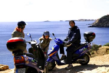 Excursion en scooter sur la route côtière et dans les villages...