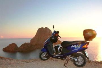 Formentera Unabhängige Roller Tour mit Vermietung
