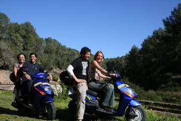 Tour autonomo di Maiorca in scooter a noleggio
