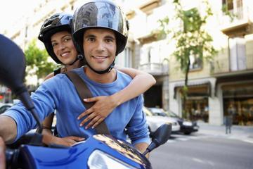 Tour di Granada in scooter con spettacolo di flamenco facoltativo