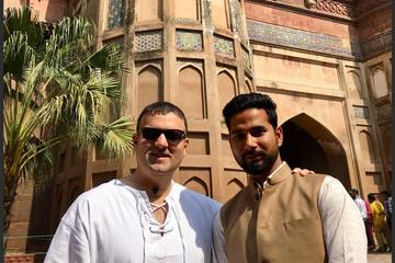 Agra: Skip-the-Line Taj Mahal Entrance Ticket with Tour Guide