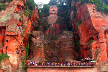 2-Day Private Tour of Leshan Grand...