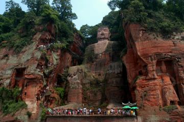 Private Führung: Tagesausflug zu den Großen Buddha in Leshan von...