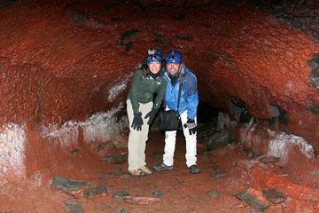Caving in Leidarendi Cave