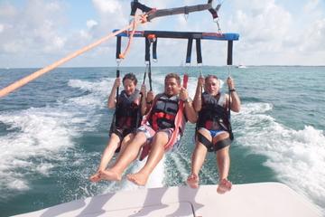 Excursão de parasail em Biscayne Bay...