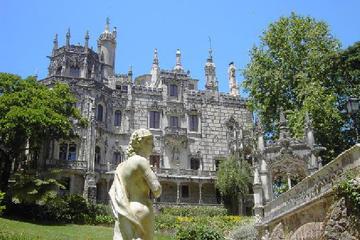 Sintra in kleiner Gruppe ab Lissabon mit Pena Palast und Quinta da...