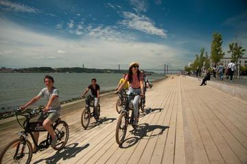 Excursión y alquiler de bicicleta eléctrica independiente por Lisboa