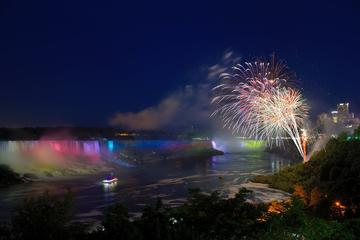 6-Hour Niagara Falls Evening Illumination Tour by Coach
