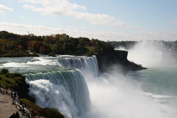 Tour delle attrazioni principali delle cascate del Niagara dal lato