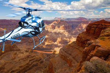 Uitgebreide helikoptervlucht langs de westrand van de Grand Canyon