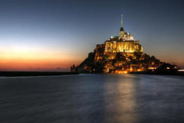 Delux Full-day Mont Saint-Michel and Honfleur with Japanese Guide