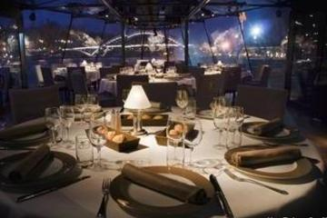 Seine River Dinner Cruise with Japanese Guide (Mybus)